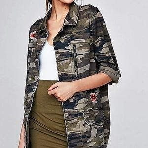M/L new EXPRESS MILITARY EMBELLISHED CAMO JACKET